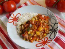 Potrawka warzywna z kiełbasą i boczkiem