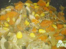 Potrawka z kurczaka marchewkowa