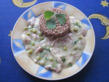 Potrawka z kurczaka z groszkiem zielonym