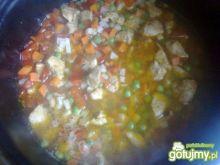 Potrawka z kurczaka z ryżem na sypko