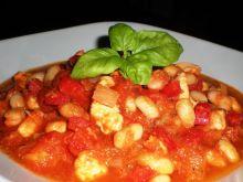 Potrawka z kurczakiem, pomidorami i fasolą