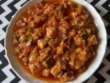 Potrawka z piersi kurczaka z cukinią i pieczarkami