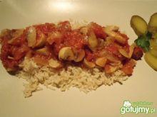 Potrawka z ryżem i kiełbaskami
