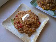 Potrawka z ryżem, wieprzowiną i pieczarkami