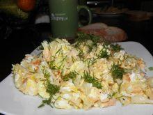 Pożywna jajecznica z łososiem.
