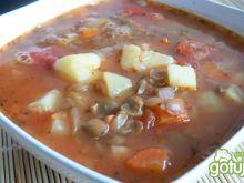 Pożywna zupa z zieloną soczewicą