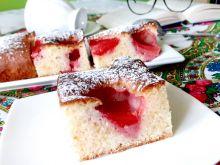 Prościutkie i szybciutkie ciasto z truskawkami