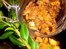 Prosta granola z patelni z cynamonem