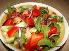 Prosta sałatka z pomidorkami