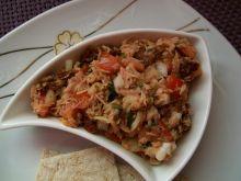 Prosta sałatka z tuńczykiem i pomidorem