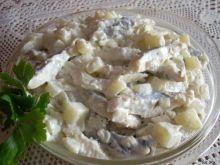 Prosta sałatka ze śledzi i ziemniaków