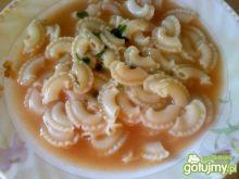 Prosta zupa pomidorowa z kolankami
