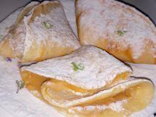Proste waniliowe naleśniki z masłem orzechowym