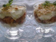 Prosty deserek z karmelizowaną gruszką