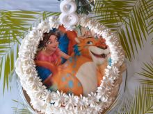 Prosty tort urodzinowy dla ośmiolatki