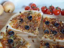 Prowansalska pizza cebulowa
