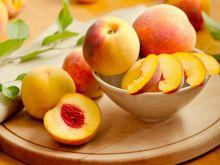 Przepisy na ciasta i dania z brzoskwiniami