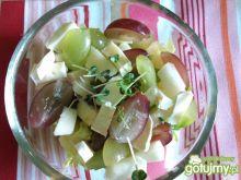 Przystawka z gruszką i winogronami