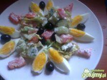 Przystawka z jajek gotowanych i sałatki