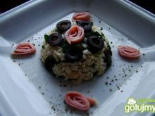 Przystawka z ryżu brązowego i oliwek