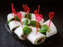 Przystawki z tortilli i wędliny