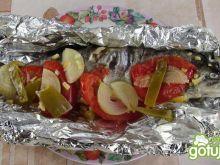 Pstrąg z grilla pod pierzynką z warzyw