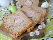 Pszenno- żytni chleb na zakwasie z białą kiełbasą