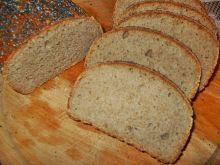 Pszenny chleb z makiem na zakwasie