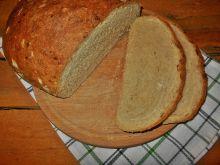 Pszenny chleb z suszoną cebulą
