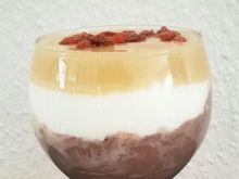 Pucharek z budyniem i jogurtem