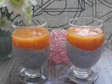 Pudding chia z owocem kaki
