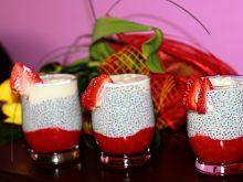 Pudding truskawkowy z nasionami chia