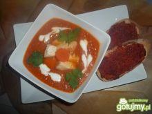 Pudliszkowy krem pomidorowy z grzankami