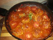 Pulpeciki duszone w pomidorach