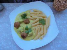 Pulpeciki z indyka w sosie z żółtych pomidorów