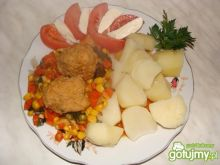 Pulpeciki z marchewką i groszkiem