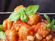 Pulpety w sosie pomidorowo fasolowym