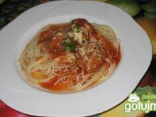 Pulpety z krakersami w sosie pomidorowym
