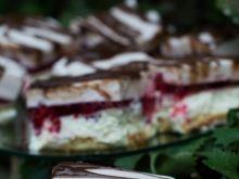 Puszyste ciasto z malinami i galaretką