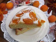 Puszyste ciasto z morelami