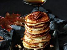 Puszyste pancakes z syropem klonowym
