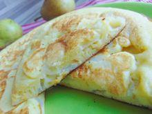 Puszysty omlet z gruszkami