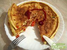 Puszysty omlet z szynką, i papryką