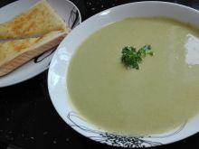 Pyszna zupa-krem z zielonego groszku