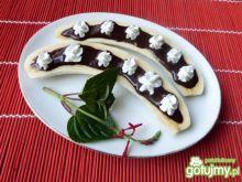 Pyszny deser z bananów i czekolady