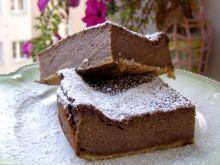 Pyszny sernik kakaowy na herbatnikach