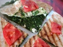Quesadillas ze szpinakiem i fetą