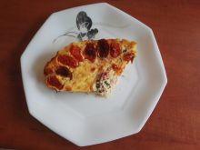 Quiche z łososiem, szpinakiem i pomidorkami