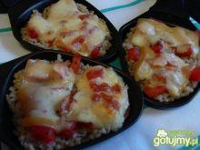 Raclette z kaszą jęczmienną i pomidorami