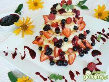Racuchowy torcik sojowy z owocami
